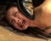 【SMレイプ動画】縄で拘束された人妻がアクメをキメまくり大絶叫!バイブや電マで強制的に性感帯を弄られ凌辱される