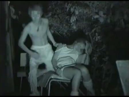 【ガチレイプ動画】リアルな個人撮影映像!深夜の公園で泥酔したギャルを介護するフリして強姦中出し!