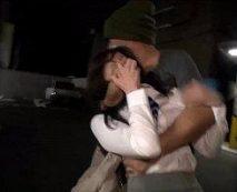 【ガチレイプ動画】帰宅するOLを車で拉致!男2人が満足するまで輪姦してそのままヤリ捨て!