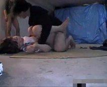 【鬼畜レイプ動画】倉庫に男2人に拉致された大人しそうな女性が乱暴に中出しされた後ヤリ逃げされる...