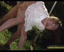 【ロリレイプ動画】人気のない山奥で幼い少女を強姦!泣き喚こうが容赦なく生ハメファック!