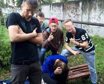 【本物】※閲覧注意!ロシアの14歳少女が暴行&強姦された動画がSNSにアップされてる・・・