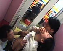 【本物レイプ動画】まだ年齢規制されていない時代のパチンコ店で起きた小◯生強姦事件!!