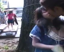 【JSレイプ動画】公園で遊ぶ小◯生たちの中から一人だけ捕まえ犯した結果がこちら・・・