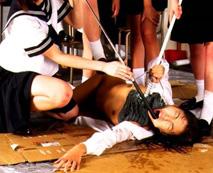 【レイプ画像】行き過ぎた悪質ないじめで泣き叫びエロ拷問を受ける少女達・・・
