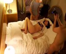【泥酔レイプ動画】ベロベロの人妻を持ち帰り無防備な裸体を弄ぶ集団による個人映像...