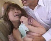 【人妻レイプ動画】義兄に無理やり犯され爆乳奥さんが必死に抵抗するも涙目で陵辱