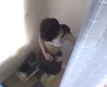 【JSレイプ動画】幼女の幼い口とまんこをぶち破る程の極悪生姦ピストン!