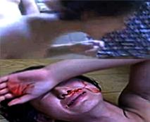 【本物レイプ動画】暴漢され血まみれな姿を最後まで見ていられない…何が彼らを怒らせたのか?