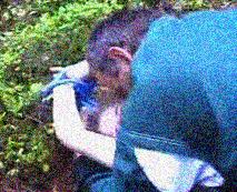 【本物レイプ動画】耳に焼き付く白人幼女の叫び声…草むらの上でロープで拘束され生ファック、精神病院行きに