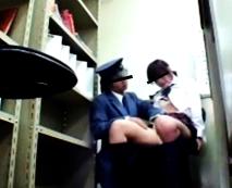 【JKレイプ動画】ガチ猛省してるのか…嗚咽を漏らしながら事務所で凌辱に耐える女子校生!