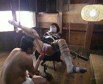 【SMレイプ動画】サイコ野郎の性奴隷にされた女子校生!手足を縛られ精神がいかれるまで凌辱される…