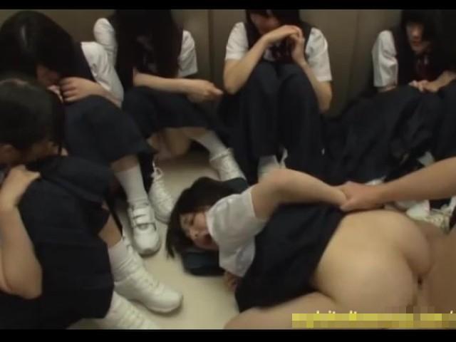 【JCレイプ動画】「痛ぁいやめてぇ…」鬼畜とエレベーターに閉じ込められた少女達が処女膜破壊される…