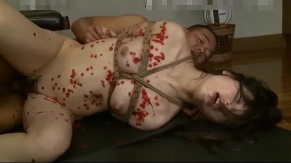 巨乳人妻を監禁して性奴隷調教!緊縛蝋攻めで泣きわめき中出しピストンで悶絶アクメ…
