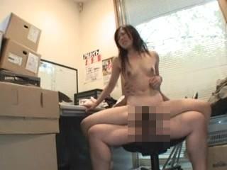 商品破損させたバイトのJKに体で弁償させる糞店長の強姦記録映像流出…レイプ動画
