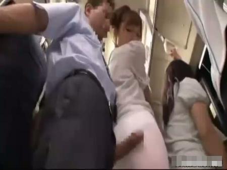 満員電車で清楚なOLを痴漢陵辱!下着の隙間からペニスねじ入れ強引に犯す…レイプ動画