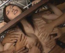 美人秘書を緊縛監禁して性奴隷調教!四肢の自由を完全に奪い肉棒5本で輪姦陵辱…