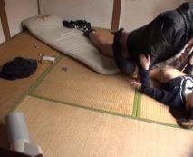 華奢な女子校生を無理やり自宅に連れ込んで未熟なマンコを無慈悲に犯す鬼畜強姦魔…レイプ動画