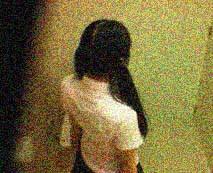 ※閲覧注意…幼い美少女が迷い込んだ路地のトイレで起こった悲劇を監視カメラが撮影