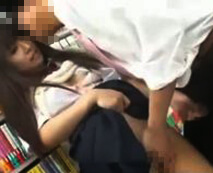 本屋で立ち読みする女子校生を痴漢陵辱!パンツの隙間から無理やり肉棒ぶち込み種付け強姦…レイプ動画