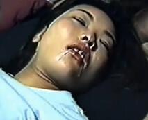 【本物レイプ】昭和に撮影された寝取りVHS映像…寝ている女の口に精子を注ぎ膣内射精するガチレイプ動画【無修正】