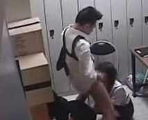 隠し撮り映像流出!万引きした女子校生を脅迫して強姦陵辱する糞店長…レイプ動画